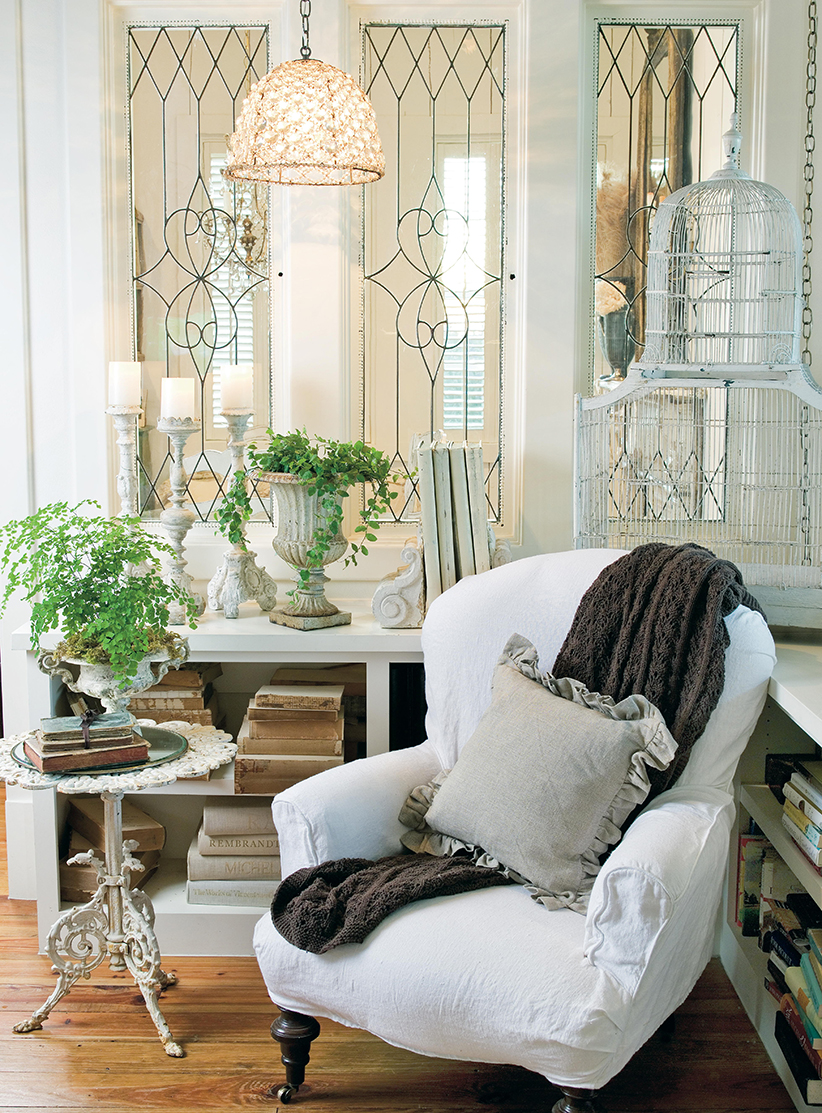 Color Outside the Lines: Book Review: The French Inspired Home