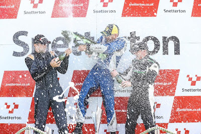 Time for some bubbly - the podium celebrations!  Well done the James Murpy p2, and Neil Fraser p3!