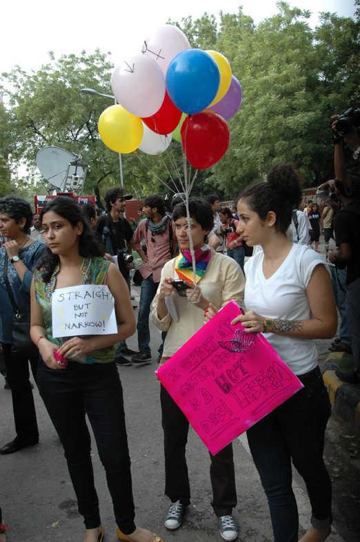 Srk 3d Wallpaper Amazing Amp Funny Pictures Lgbt Pride Parade In Delhi 2011