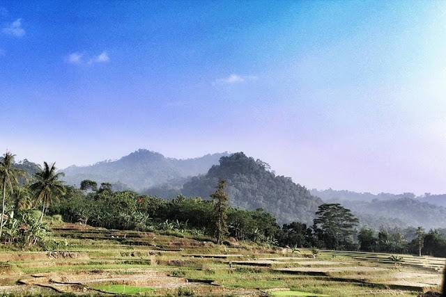 Karawang Potensi Pariwisata Jawa Barat   PEPELING KARAWANG