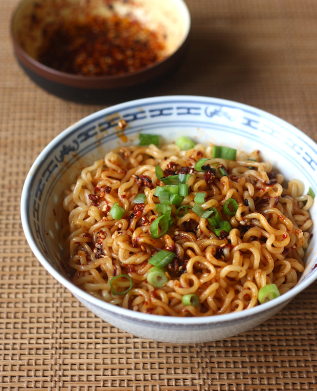 Ramen Noodles with Spicy Korean Chili Seasoning recipe by SeasonWithSpice.com