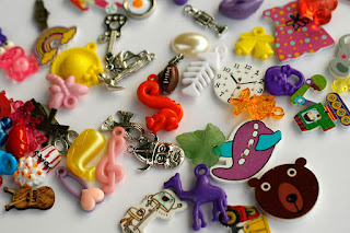 Medium mixed I spy trinkets TomToy
