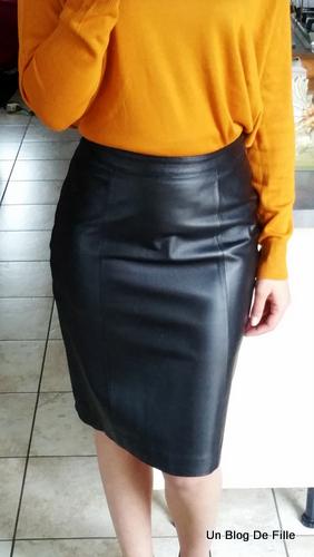 Un blog de fille ootd porter une jupe crayon en cuir sp cial vide dressing - Que porter avec une jupe crayon ...