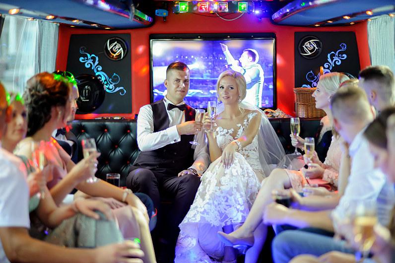 vestuvinis limobusas