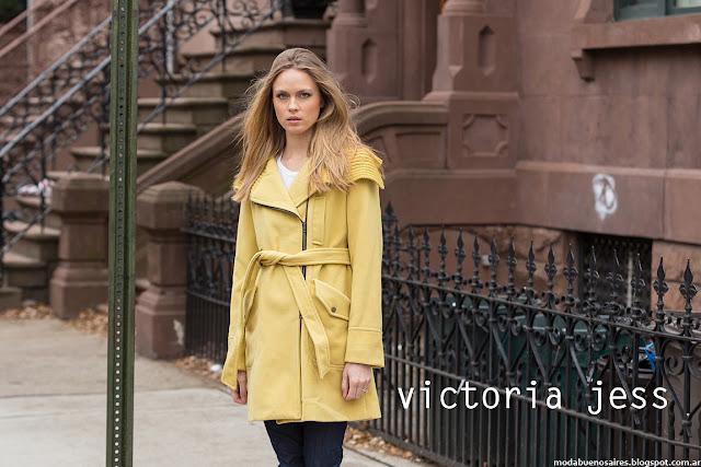 Tapados Victoria Jess otoño invierno 2016. Moda otoño invierno 2016.