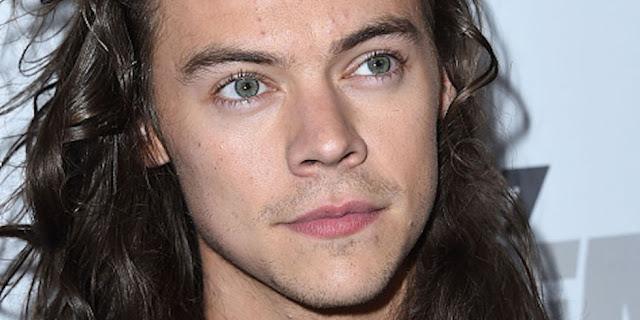 Harry Styles tiene un contrato para lanzar tres álbumes en solitario.