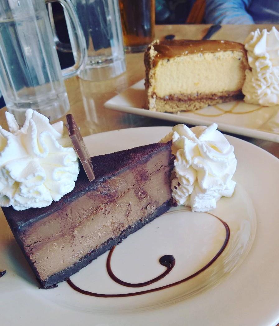 The Cheesecake Factory juustokakku San Francisco matkailu matkajuttu kahvila mallaspulla salted caramel godiva chocolate