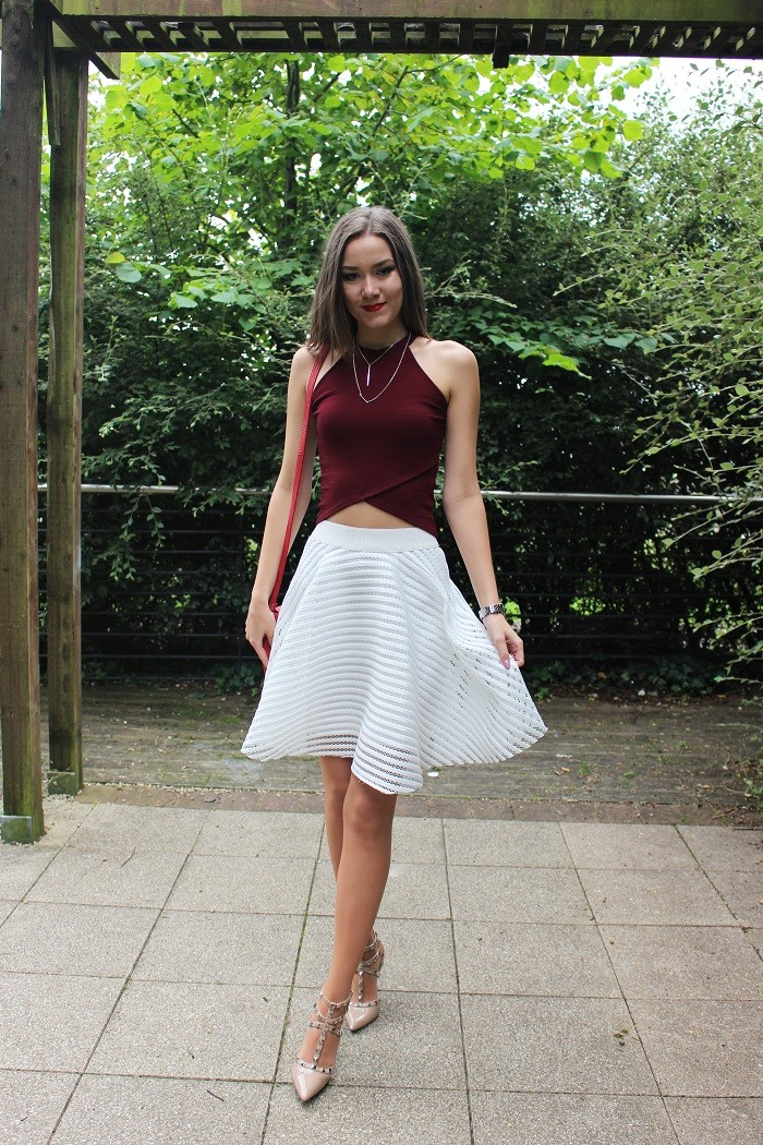 outfit, outfit of the day, outfit with skirt, skater skirt ootd, heels