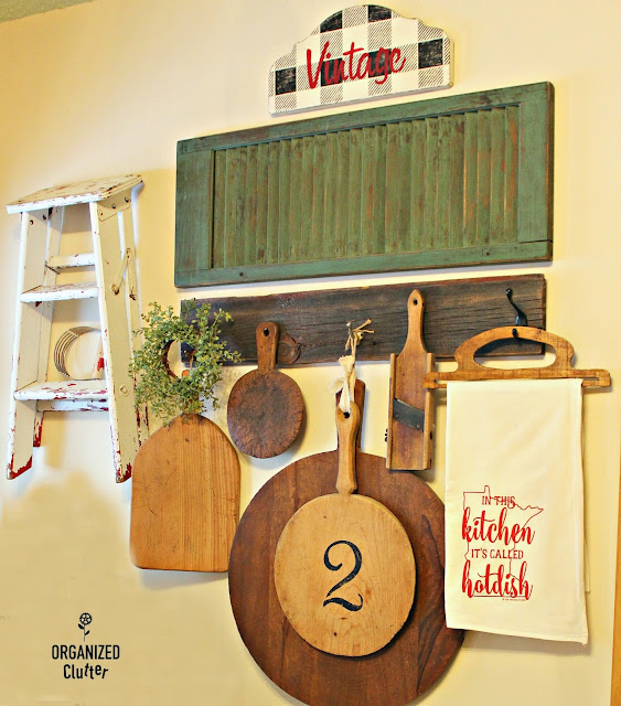 Farmhouse Kitchen Wall Display #cuttingboard #Minnesotahotdish #vintage #signs #buffalocheck #farmhousekitchen