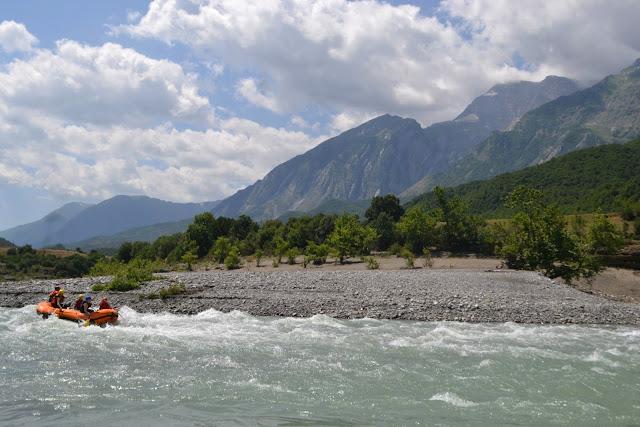 Vjosa rafting, Albania