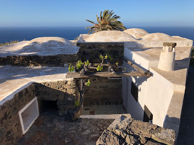 Example of a dammuso roof in the Khamma area of Pantelleria.