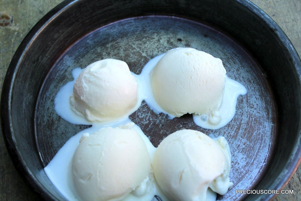 WORLD'S EASIEST VANILLA ICE CREAM RECIPE