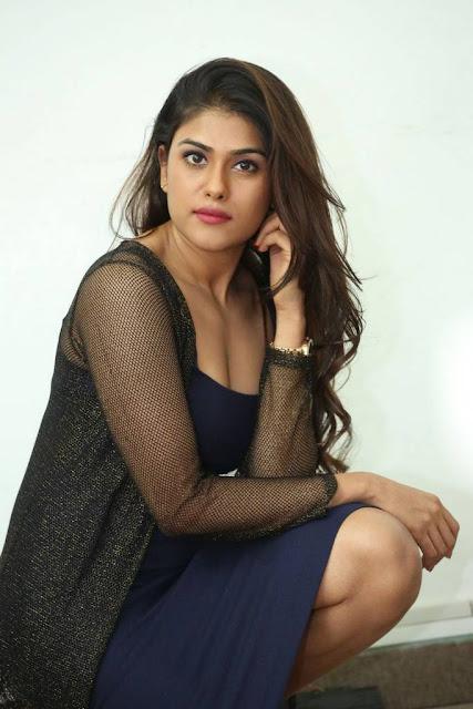 Naira Shah Stills At E Ee Movie Interview