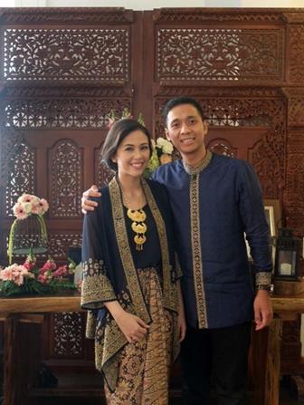 Model Baju Batik Couple Untuk Pasangan Muda Yang Harmonis