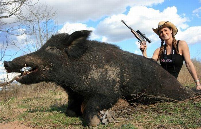 Topsi News: Woman Hunt...