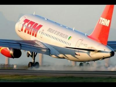 Susto! Turbina de Avião da TAM pega fogo logo após decolar de São Luis.