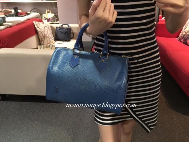 Louis Vuitton Speedy 25 Epi Leather-Blue (Vintage) 14d7a1517c8c5