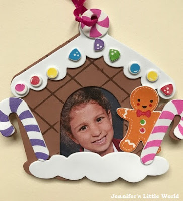 Gingerbread house with photo craft