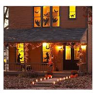 Des silhouettes sur les fenêtres pour une ambiance d'Halloween réussie