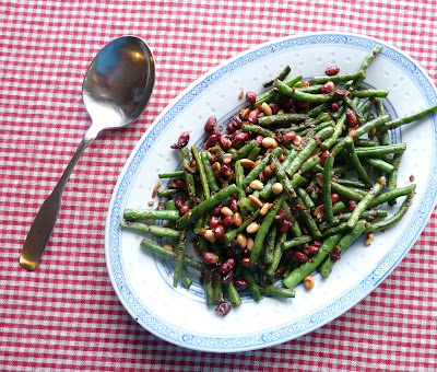 Stir-Fried Green Beans with Peanuts