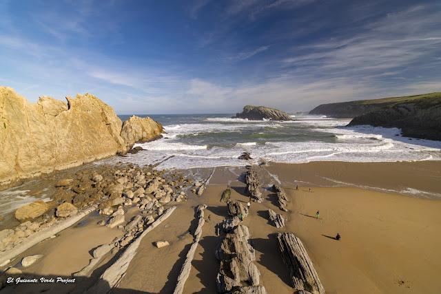 Arenal de la Playa de Arnía, Costa Quebrada - Cantabria, por El Guisante Verde Project