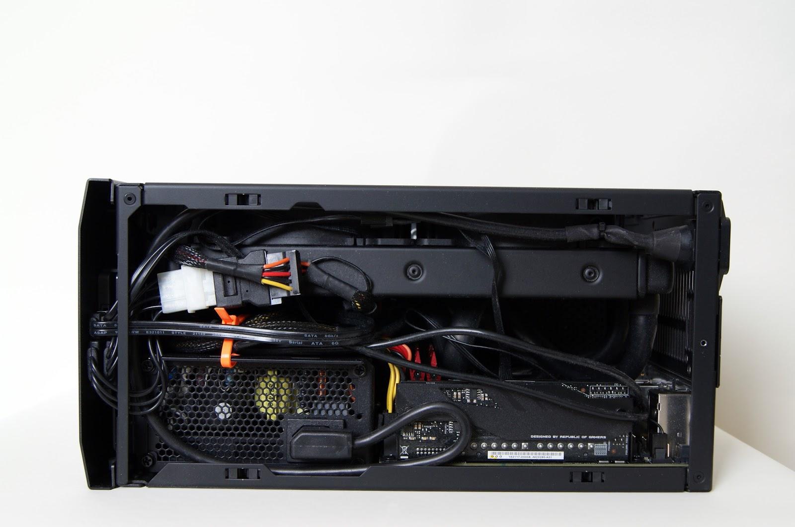 Parte superior destapada caja Mini-ITX NCASE M1