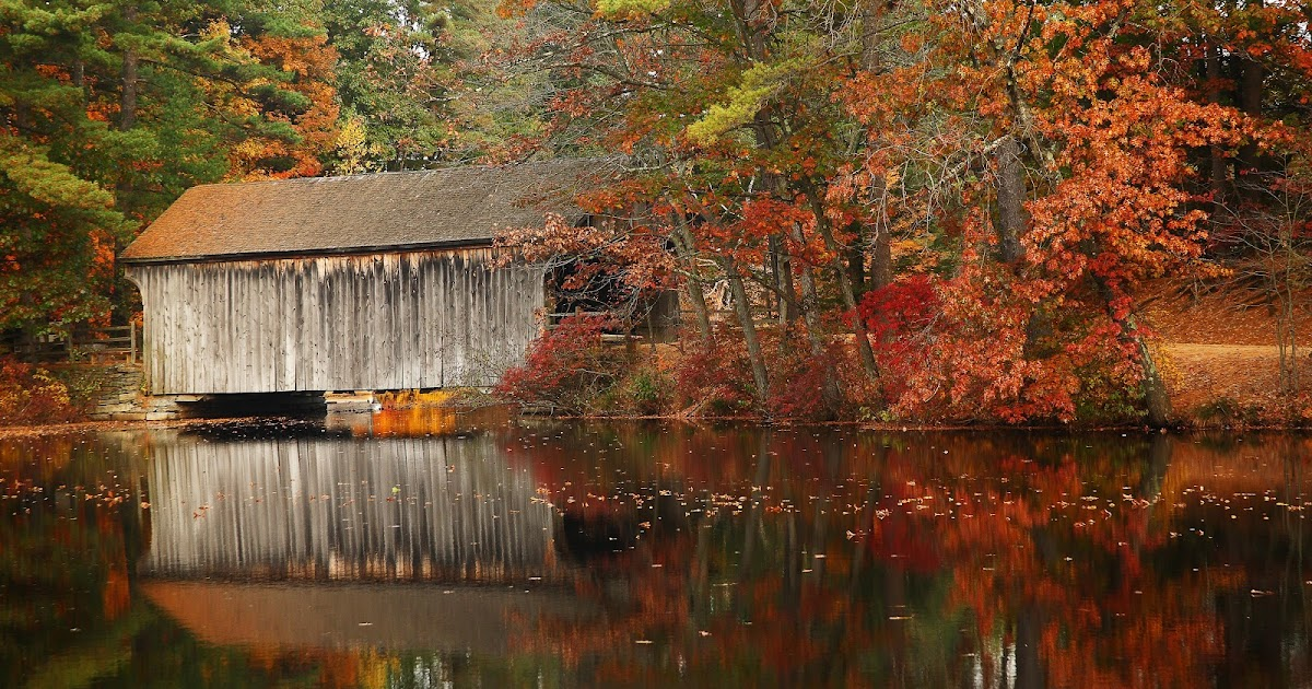 Wallpaper Images Of Fall Trees Lined Lake Adrienne S Corner Covered Bridges