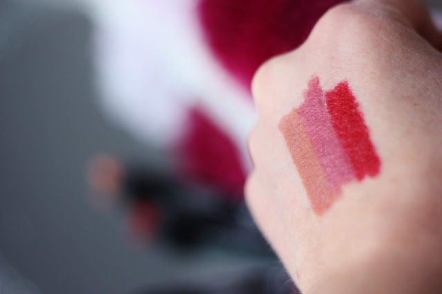 swatch-semi-matte-lipstick-crayon-golden-rose