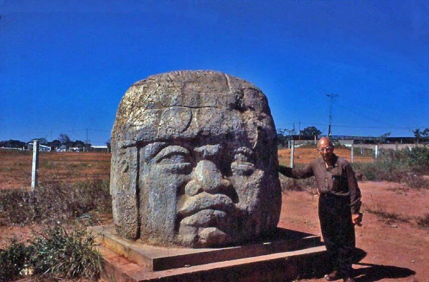 15 Before And After Photos Of US Presidents Depict How Their Job Transformed Them - The Olmec's Giant Head