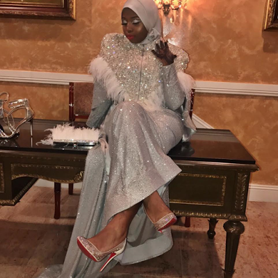 Muslim Teenage girl steps out looking stunning while covered up for her High School prom