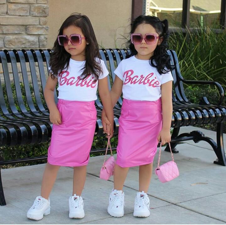 713140363ed74 صور ملابس أطفال 2019 مواكبة لألوان الموضة