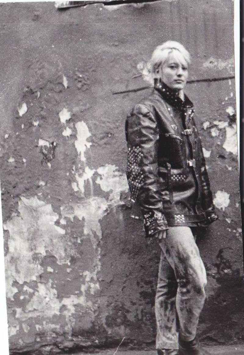 1925 Rolls Royce Phantom >> Portraits of Estonian Punk Girls in the 1980s ~ vintage everyday