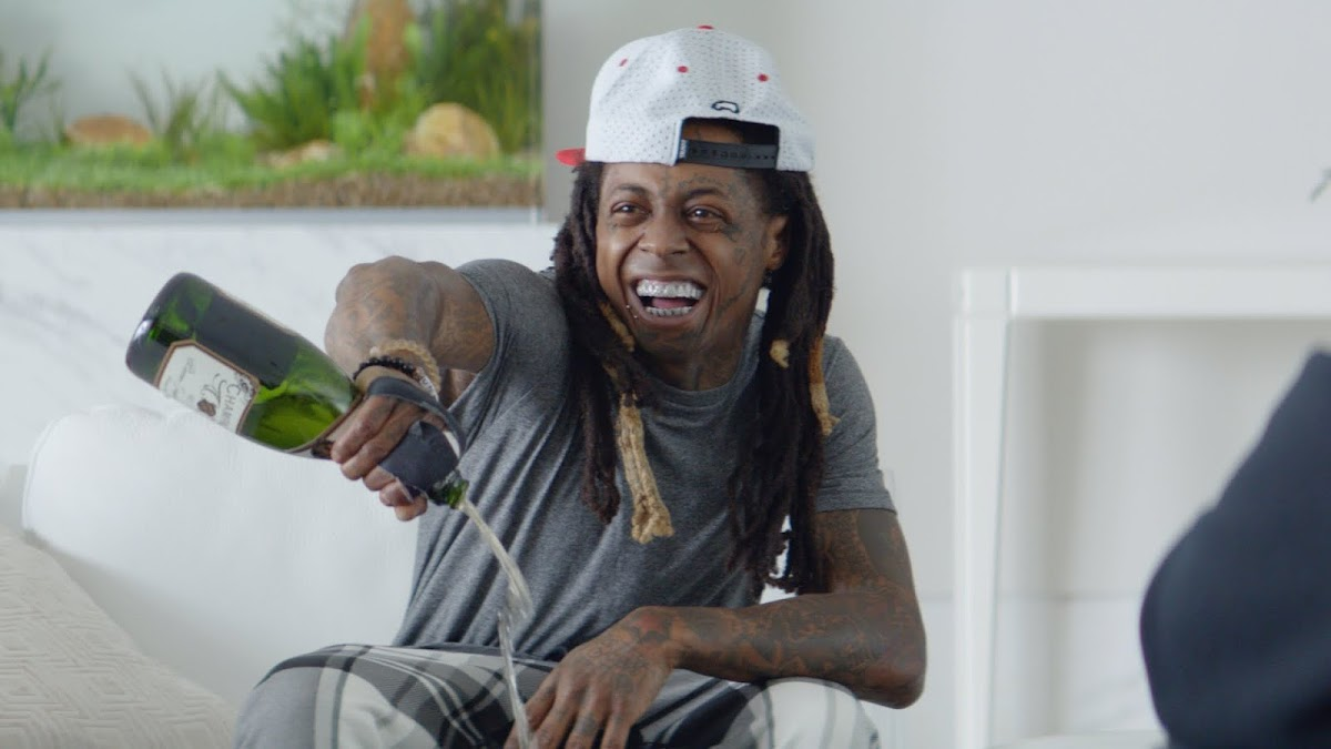 Lil Wayne and Wesley Snipes Enjoying Champagne Calls and Delivering Baby Elephants In New Ads For Samsung...Whaaaaat