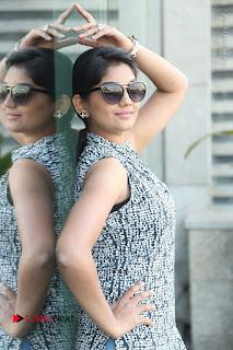 Telugu Television Actress Karuna Latest Pos In Denium Jeans  0055.JPG