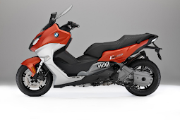 2017 BMW C 650 Sport Review