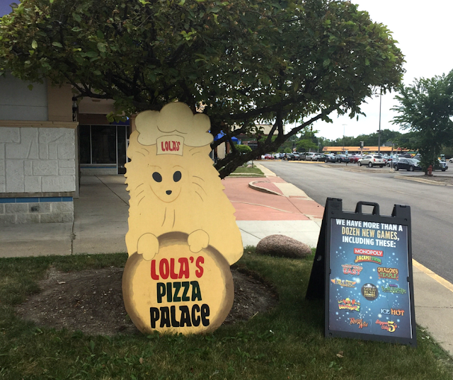 Family Owned Lola's Pizza Palace in Arlington Heights, IL
