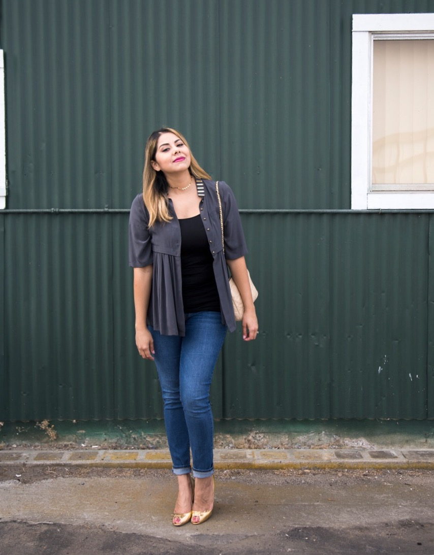 Old navy skinny jeans, casual layers, fashionable outfit with pops of gold, san diego style blogger