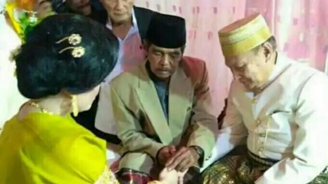 Kakek nikahi gadis Desa di Bone