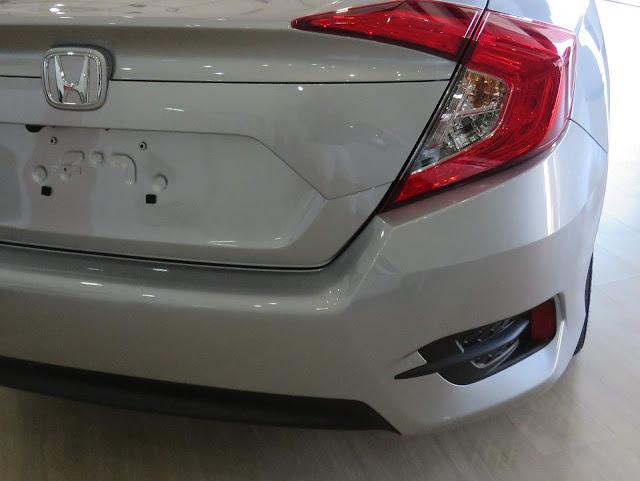Honda Civic 2017 EXL - não tem sensor de estacionamento traseiro