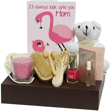 Buy Online Mother\u002639;s Day Gifts: Send mothers day gift hampers online for working Mom