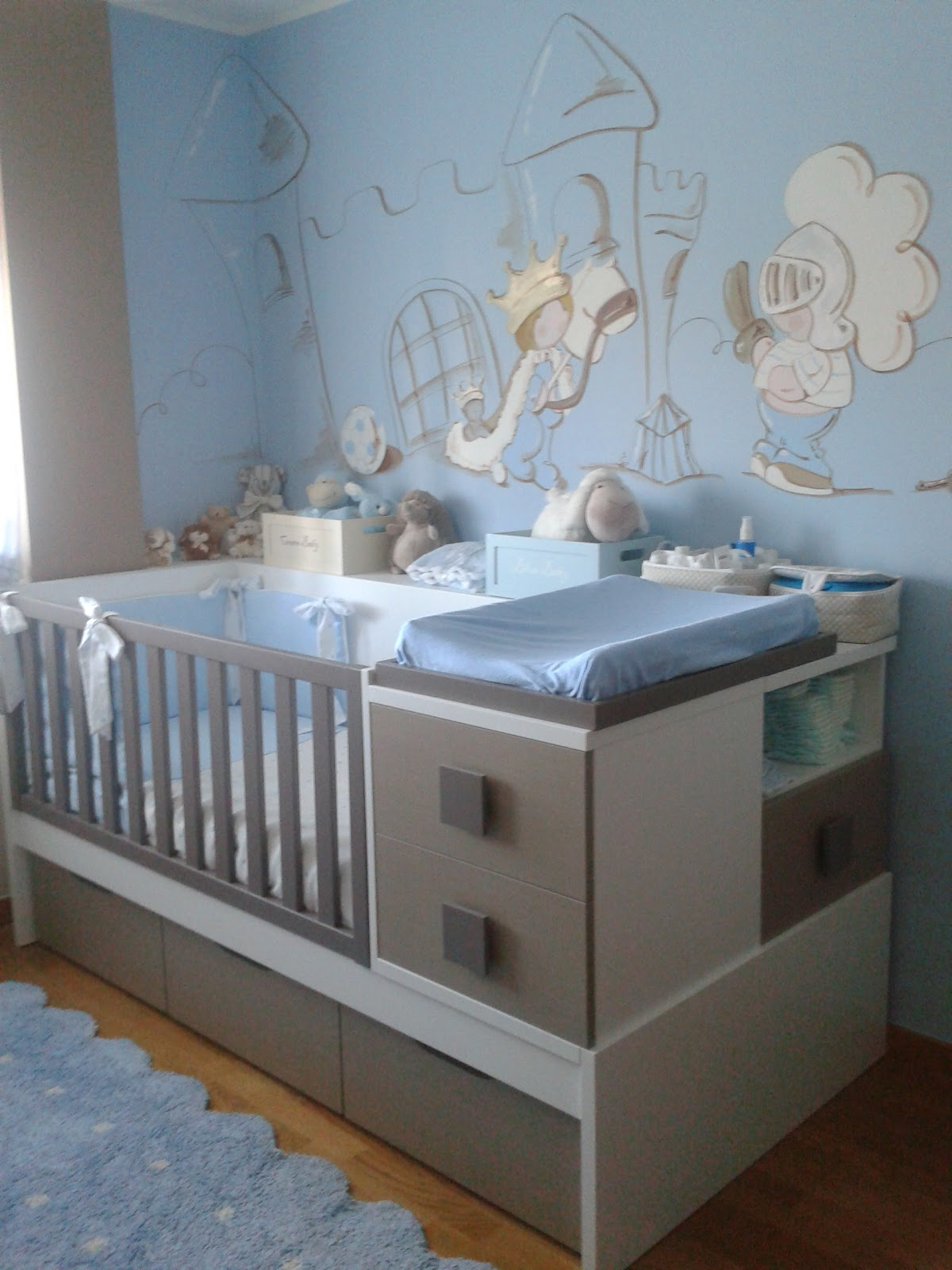 deco chambre b b peinture murale chambre enfant prince. Black Bedroom Furniture Sets. Home Design Ideas