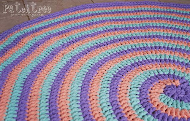 Вязанные коврик
