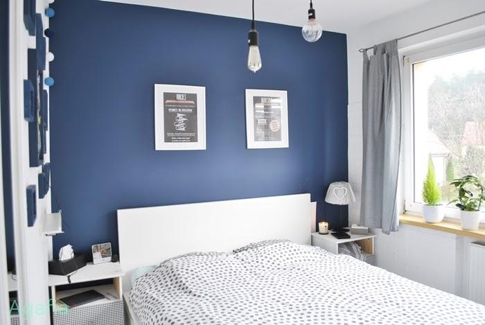 Sypialnia Z Białą Malowaną Podłogą Agafia J