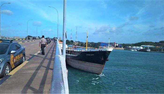 Kapal Tabrak Jembaran Barelang Batam