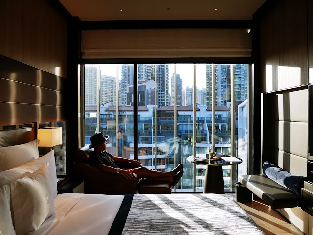 CHECK IN AT INTERCONTINENTAL ROBERTSON QUAY HOTEL SINGAPORE