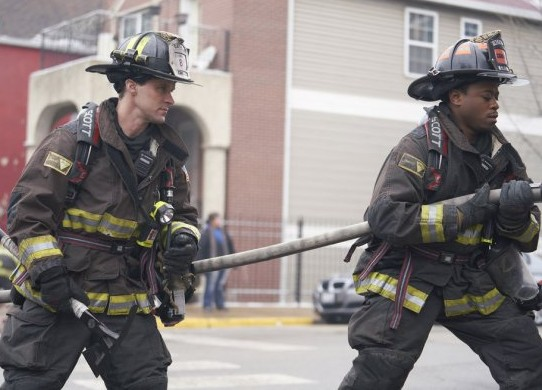 "NUP 186096 0043 595 Spoiler%2BTV%2BTransparent - Chicago Fire (S07E17) ""Move A Wall"" Episode Preview"