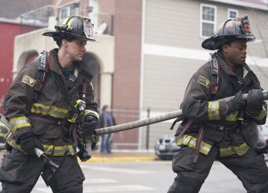 "NUP 186096 0043 595 Spoiler%2BTV%2BTransparent - Chicago Fire (S07E17) ""Move A Wall"" Episode Preview"