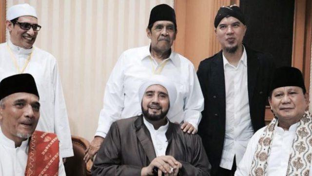 Dipelintir Warganet yang 'Kepanasan', Ini Fakta Pertemuan Habib Syech-Prabowo