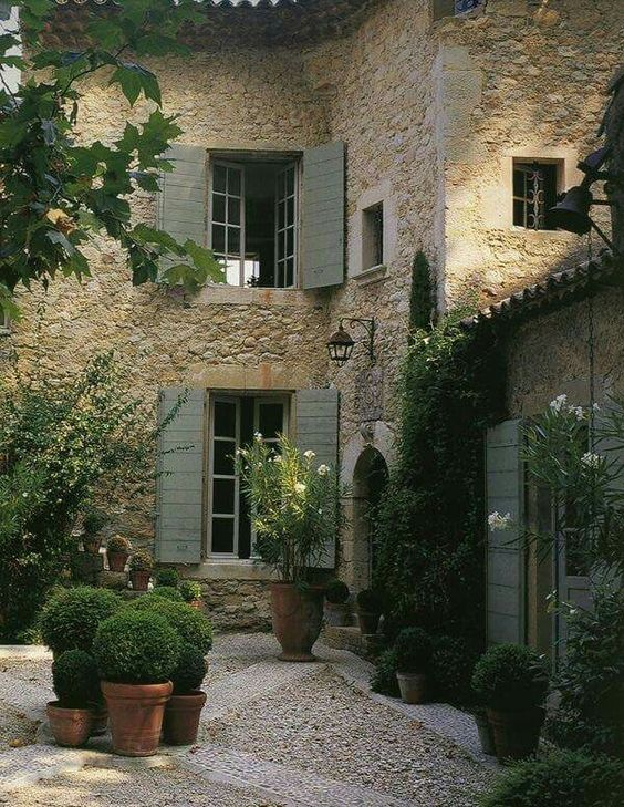 12 European Country Side And Provencal Gardens