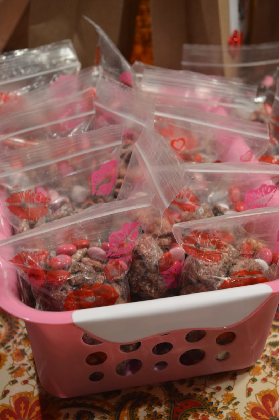 Valentine S Day Recipes Puppy Chow M Amp M Heart Brownies